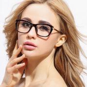 4 Cara Memilih Kacamata Sesuai Bentuk Wajah