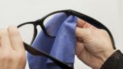 Cara Paling Mudah Menghilangkan Goresan Pada Lensa Kacamata