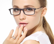 Kacamata Untuk Kerja Depan Komputer yang Nyaman